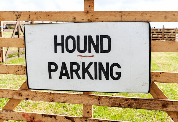 Hound parking, Saltersgate